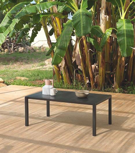 Outdoor Tische